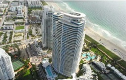 Photo of Continuum One South Tower Waterfront Condo in Miami Beach FL