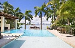 Photo of Di Lido Island homes in Miami Beach FL