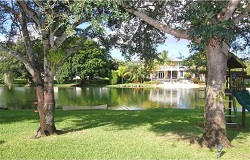 Photo of waterfront home in Pinecrest Florida